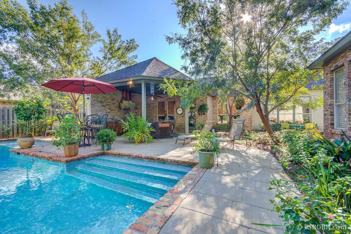 great location in fair oaks estates with amazing pool patio and
